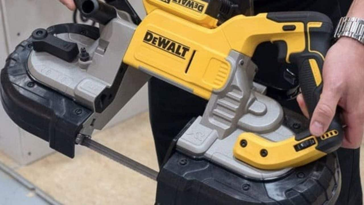 Best Saw To Cut PVC Pipe