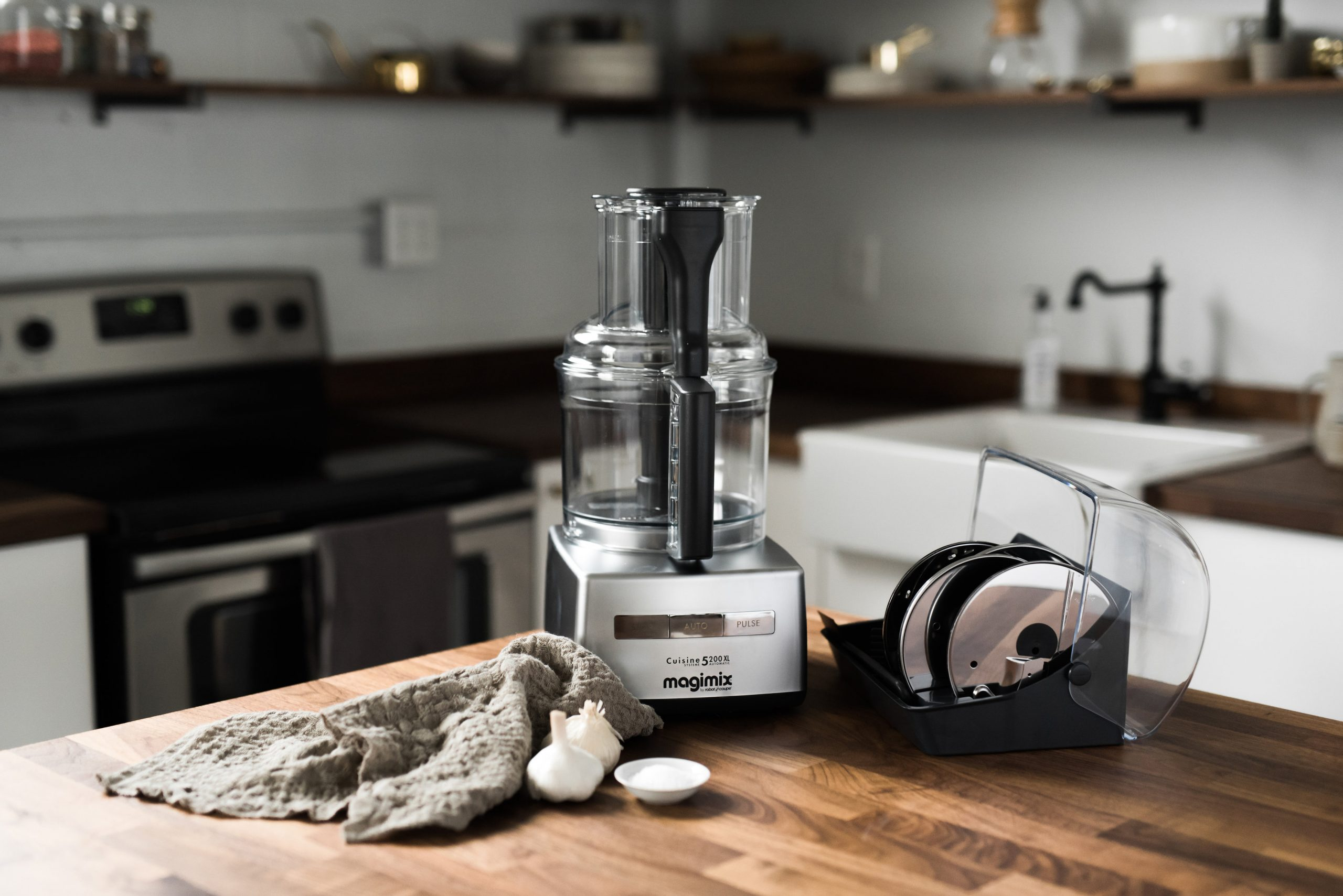 how to clean a food processor